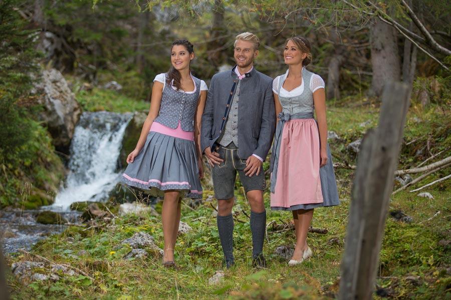 Große Auswahl an Trachten-Outfits für Damen