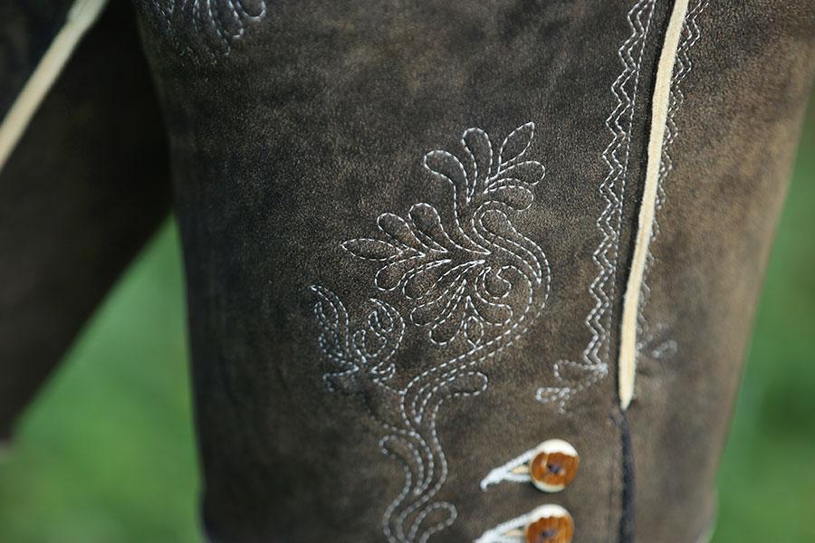 Maßgeschneiderte Lederhosen