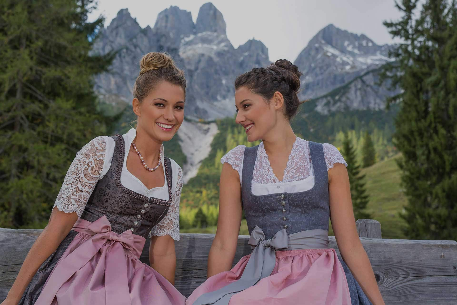 Trachten-Dirndl designed with Love by Scheibner